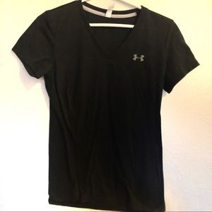UNDER ARMOUR black v neck loose fit tee shirt sm